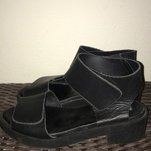 MIista London Womens Black Sandal Size 8